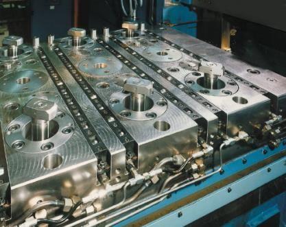 Efektywność procesów wytwarzania w aspekcie systemów mocowań