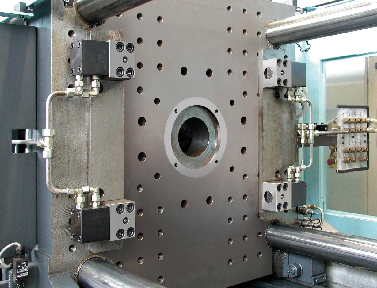 Zwiększenie efektywności procesu dzięki systemom mocowań i wymiany narzędzi.